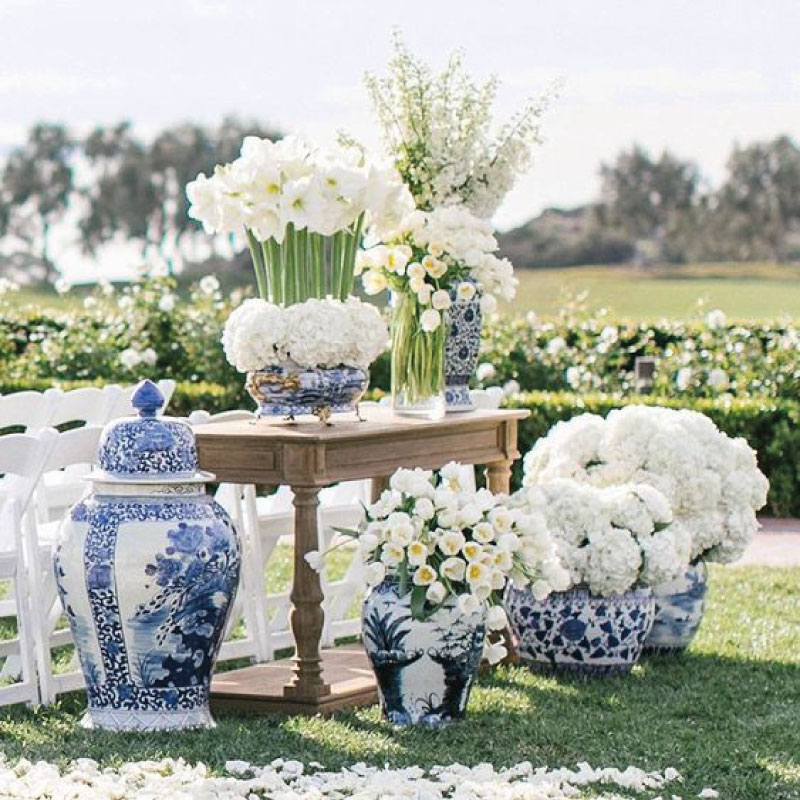 Wedding color scheme classic blue and white