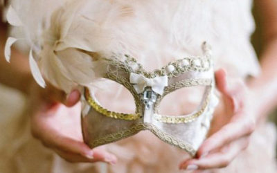 FOUR TIPS FOR A CARNIVAL WEDDING IN ITALY