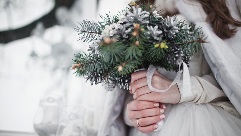 RUSTIC-INSPIRED WINTER WEDDING IN ITALY